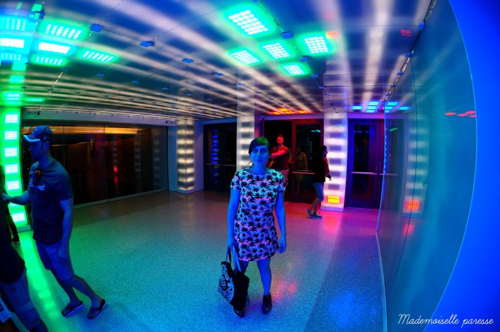 19 - Mademoiselle paresse - Top of the Rock Rainbow room