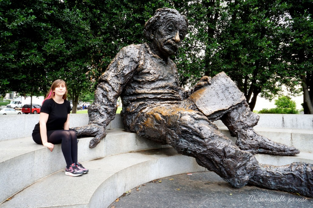 Mademoiselle paresse Washington Einstein memorial