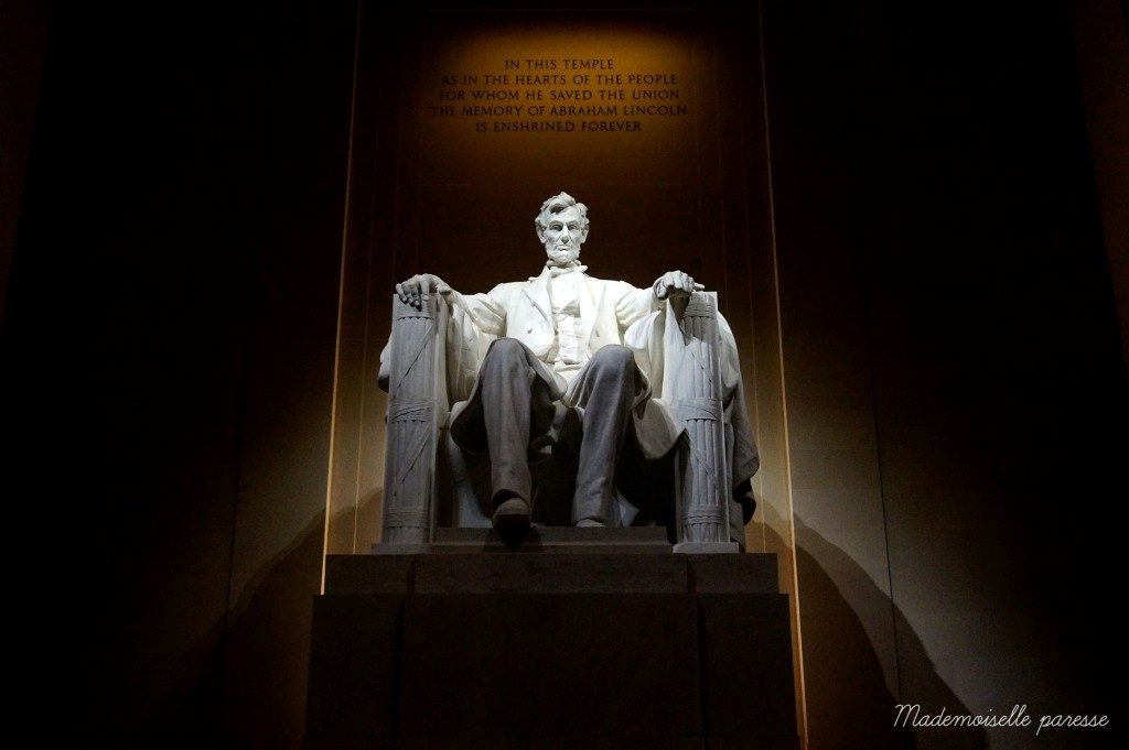Mademoiselle paresse Washington Lincoln memorial by night