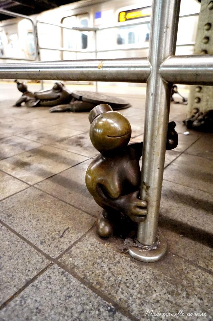 Mademoiselle paresse NYC subway Life underground 3