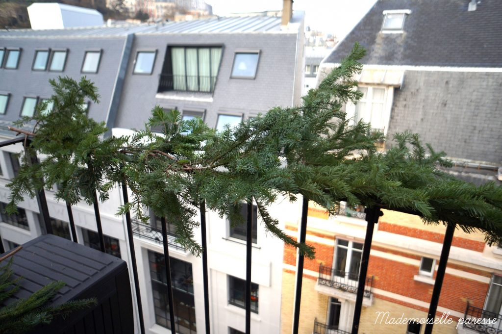 mademoiselle-paresse-deco-noel-balcon-paris-christmas-decoration-sapin-diy-tuto-2