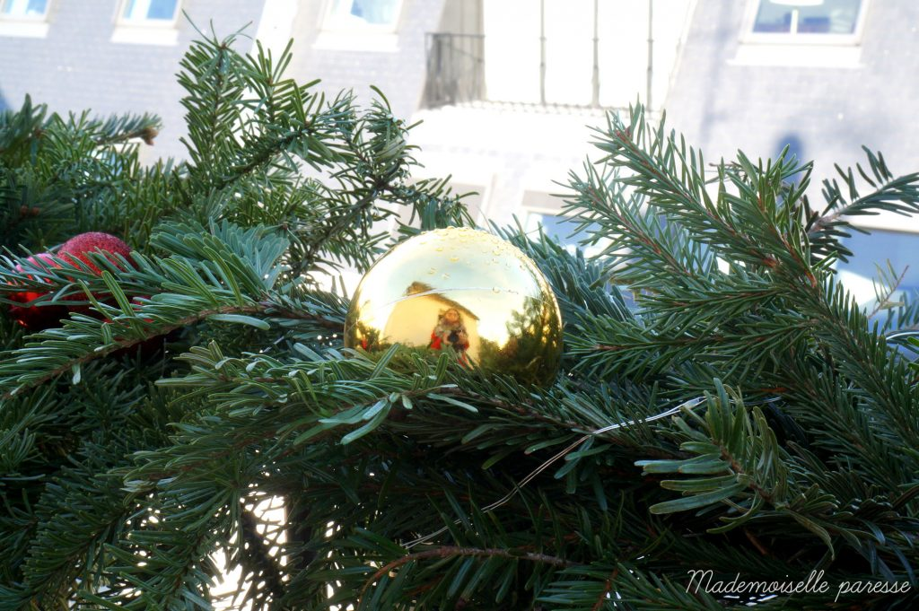 mademoiselle-paresse-deco-noel-balcon-paris-christmas-decoration-sapin-diy-tuto-4